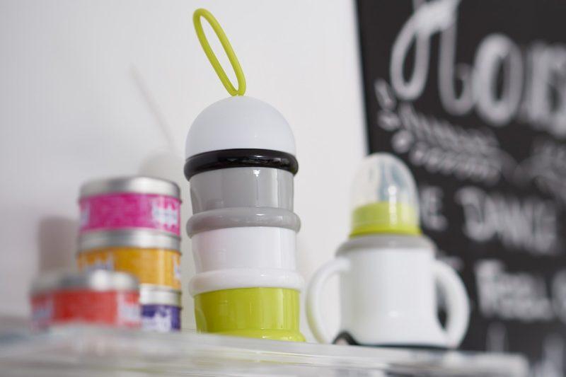 Beaba Milk Container Контейнер для прогулок и путешествий Neon