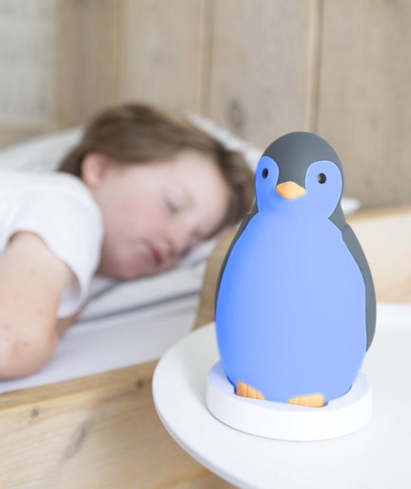 Zazu Беспроводная колонка+будильник+ночник пингвинёнок Пэм-3