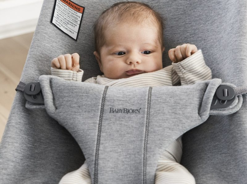 baby-bouncer-bliss-3d-jersey-light-grey-006072-babybjorn-1